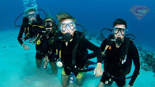 PADI open water students with Super Divers